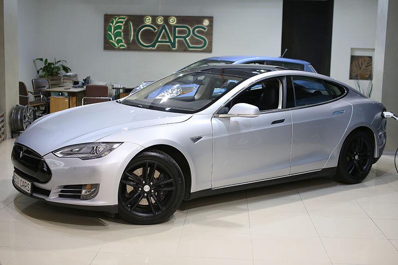 автомобиль теста цена по украини електра мобиль тесла модель с