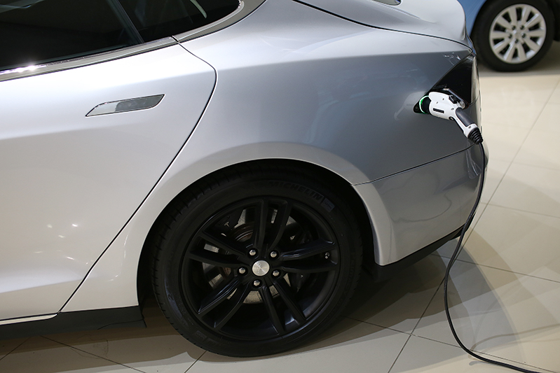 тесла автомобиль цена в сша 2014