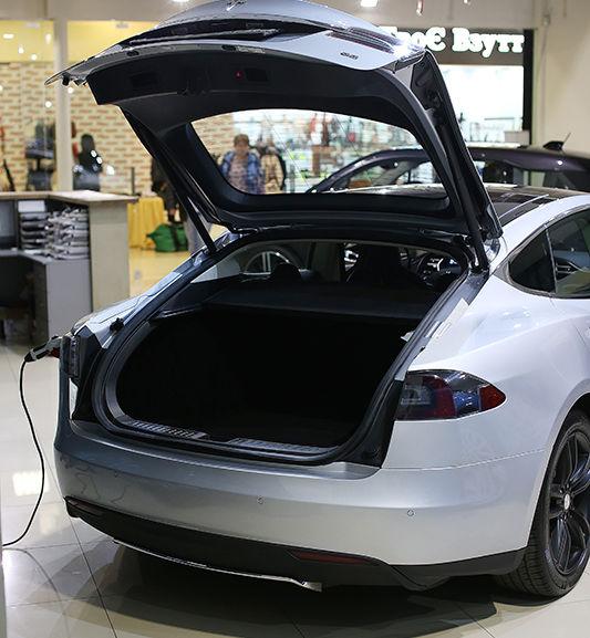 тесла автомобиль мощность двигателя